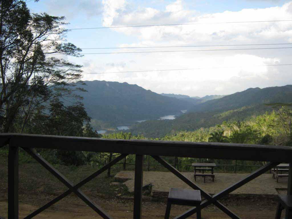 Вид на озера из кафешки.