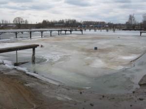 Уровень воды ещё очень низкий, до нормы около метра.