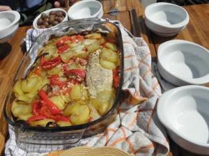 Тунчик запеченный с овощами