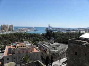 Малага. Вид на порт из крепости.